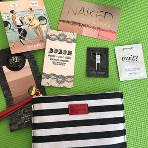 Sephora makeup bag with 6 Sephora makeup samples.